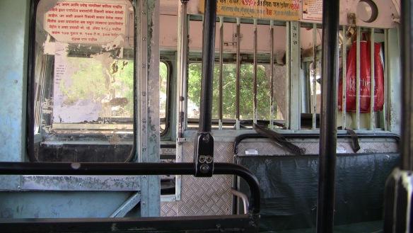 mandir bus